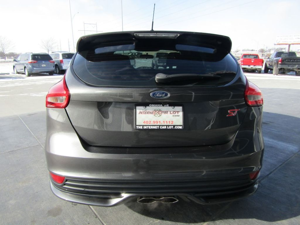 2018 Ford Focus ST Hatch - 18584406 - 5