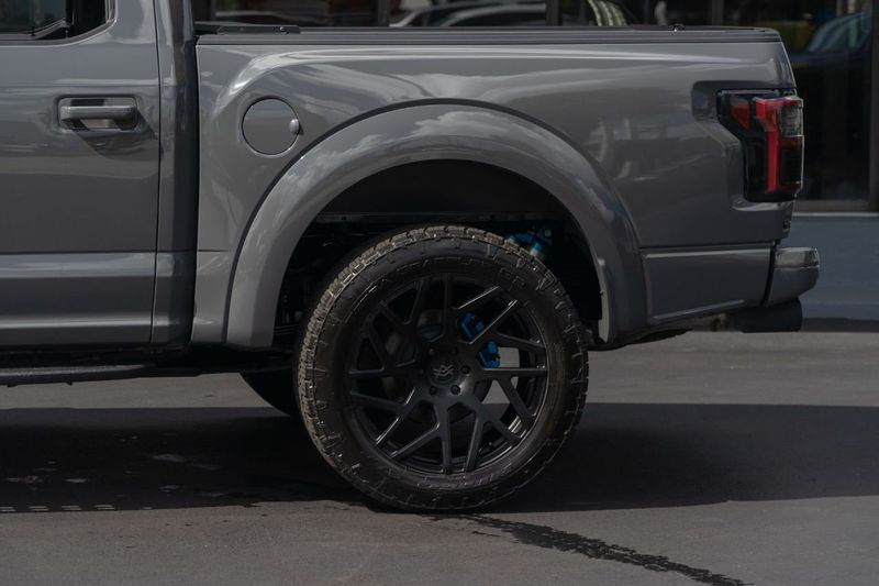 2018 Ford F-150 Raptor 4WD SuperCrew 5.5' Box - Click to see full-size photo viewer