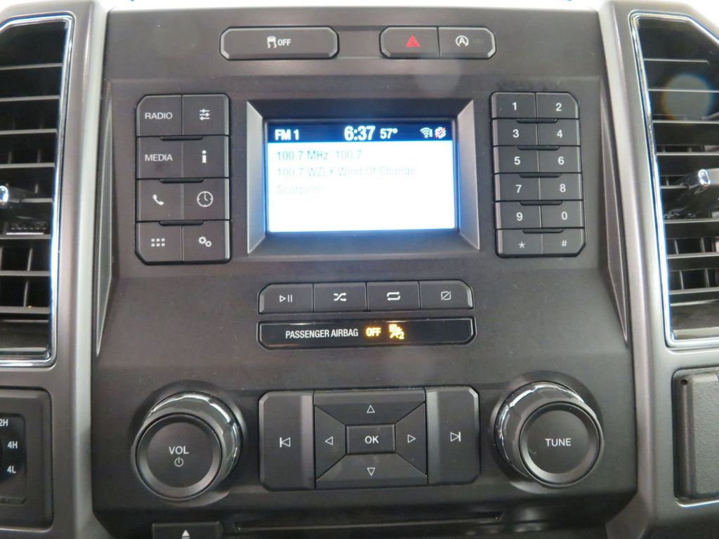 2018 Ford F-150 XLT 4WD SuperCrew 5.5' Box - 18406473 - 21
