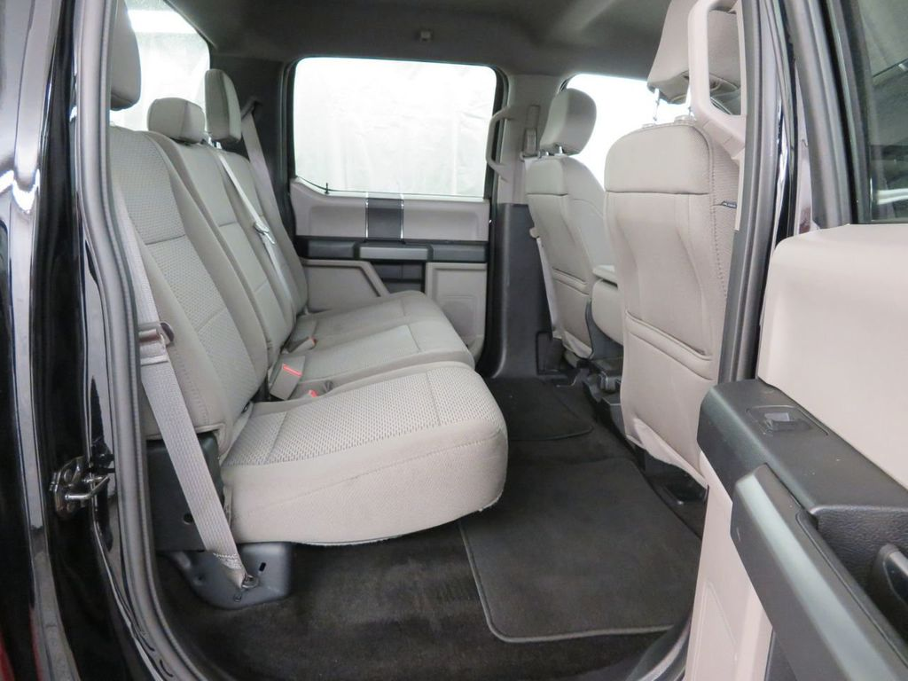 2018 Ford F-150 XLT 4WD SuperCrew 5.5' Box - 18406474 - 11