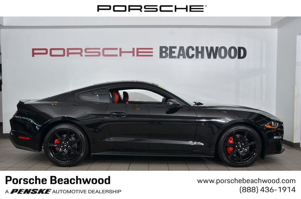 2018 Ford Mustang Gt >> 2018 Used Ford Mustang Gt Fastback At Porsche Beachwood Serving Cleveland Oh Iid 19387800