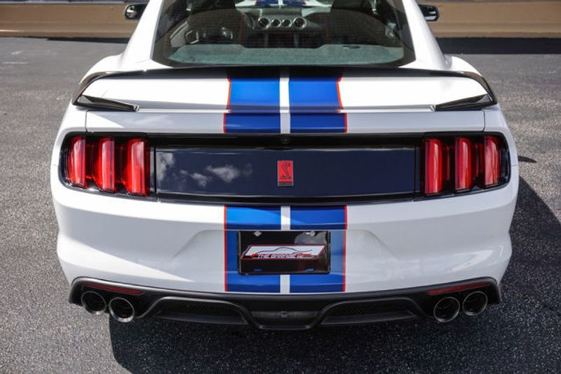 2018 Ford Mustang Shelby GT350R Fastback - Click to see full-size photo viewer