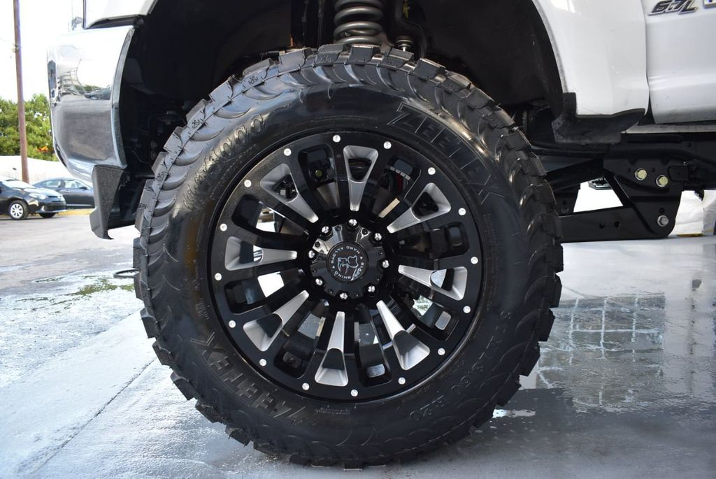 """2018 Ford Super Duty F-250 SRW 5"""" Rough Country Lift Kit with 20"""" Custom Rims & Tires - 18246523 - 9"""