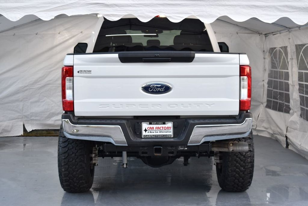 """2018 Ford Super Duty F-250 SRW 5"""" Rough Country Lift Kit with 20"""" Custom Rims & Tires - 18246523 - 5"""