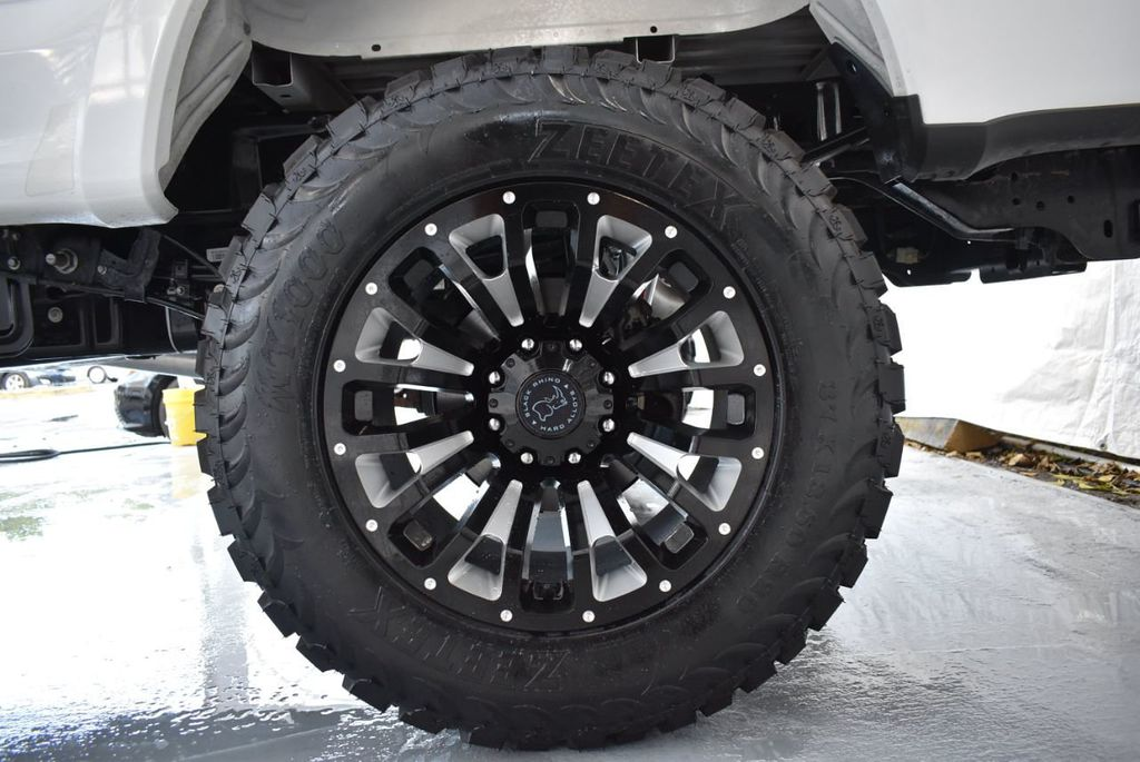 """2018 Ford Super Duty F-250 SRW 5"""" Rough Country Lift Kit with 20"""" Custom Rims & Tires - 18246523 - 8"""