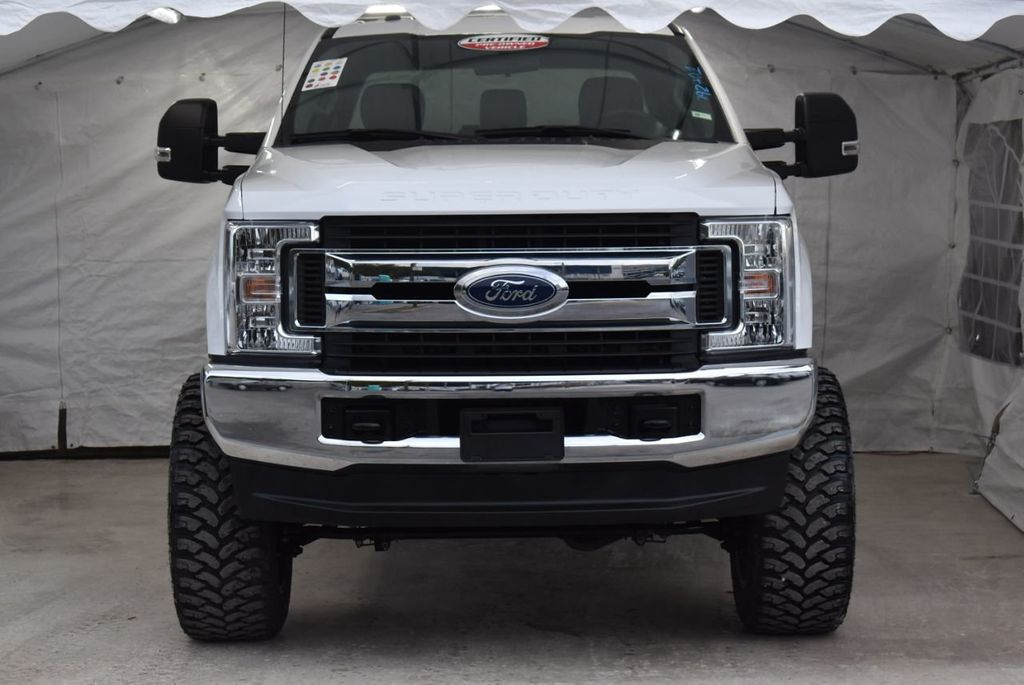 2018 Ford Super Duty F-250 SRW XLT 5''Rough Country Lift with 20'' Custom Rims & Tires - 18387257 - 2