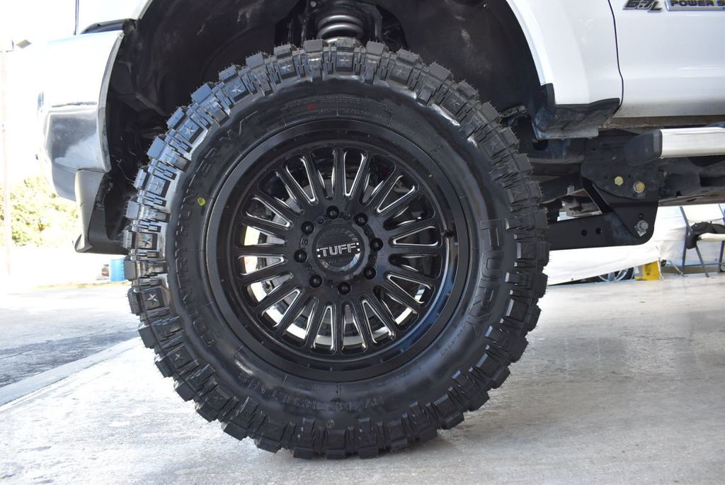 2018 Ford Super Duty F-250 SRW XLT 5''Rough Country Lift with 20'' Custom Rims & Tires - 18415851 - 9