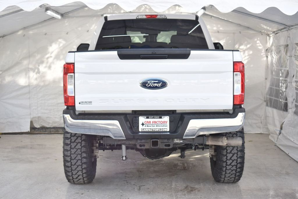 2018 Ford Super Duty F-250 SRW XLT 5''Rough Country Lift with 20'' Custom Rims & Tires - 18415851 - 5
