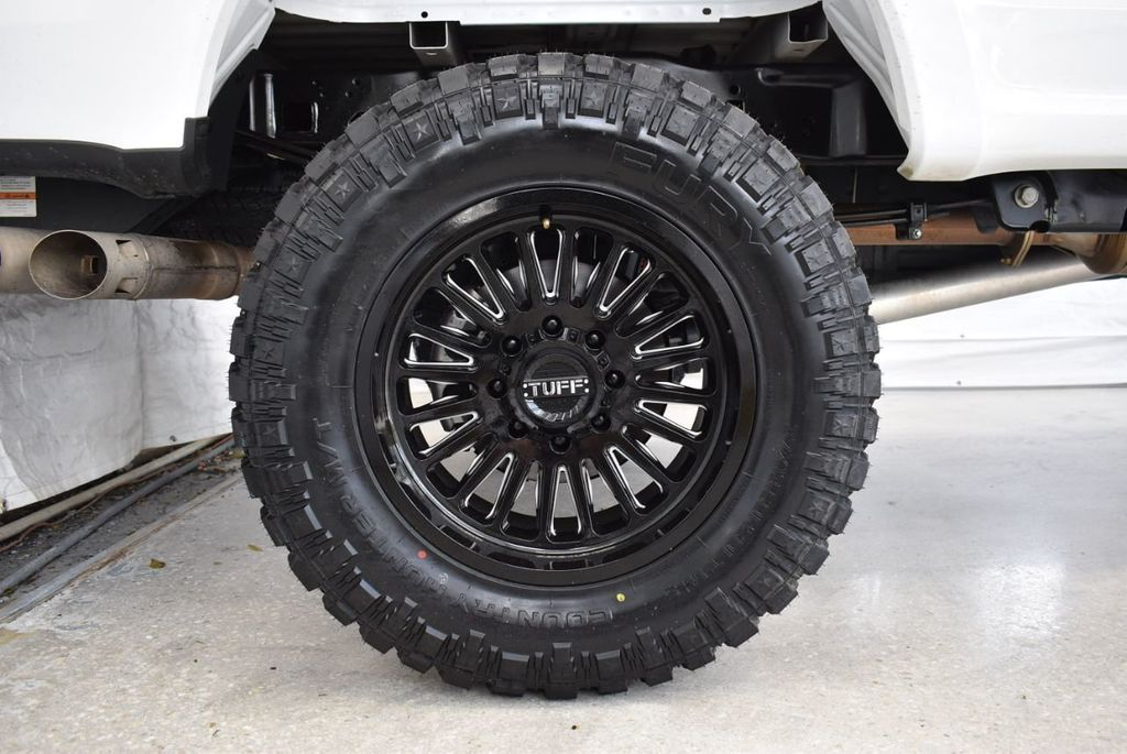 2018 Ford Super Duty F-250 SRW XLT 5''Rough Country Lift with 20'' Custom Rims & Tires - 18415852 - 9