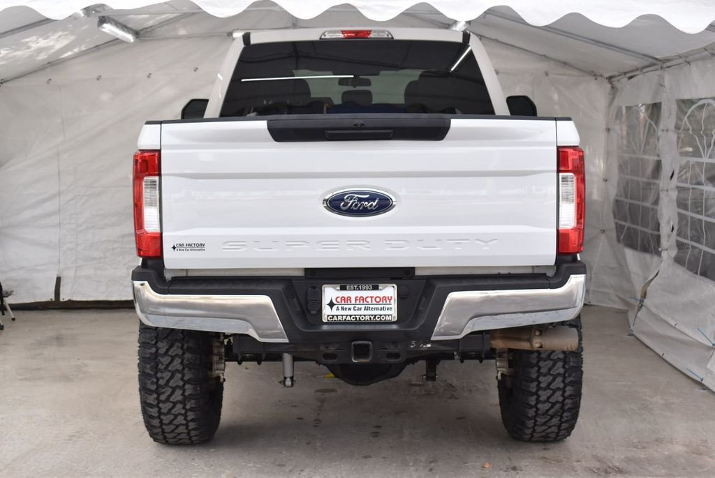 2018 Ford Super Duty F-250 SRW XLT 5''Rough Country Lift with 20'' Custom Rims & Tires - 18415852 - 5