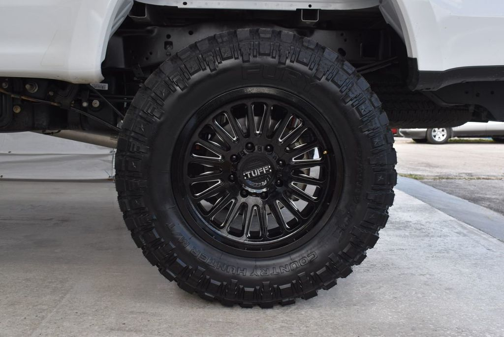 2018 Ford Super Duty F-250 SRW XLT 5''Rough Country Lift with 20'' Custom Rims & Tires - 18415852 - 6