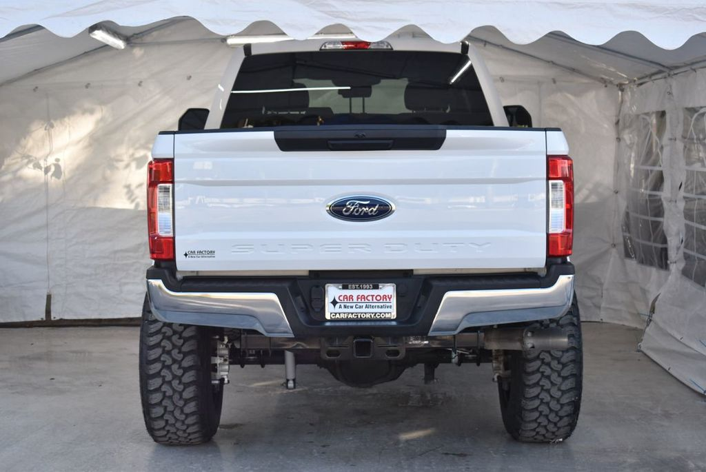 2018 Ford Super Duty F-250 SRW XLT 5''Rough Country Lift with 20'' Custom Rims & Tires - 18432680 - 5
