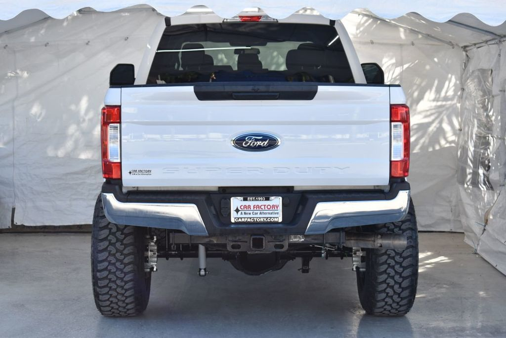 2018 Ford Super Duty F-250 SRW XLT 5''Rough Country Lift With 20'' Custom Rims & Tires Truck - 18415849 - 5