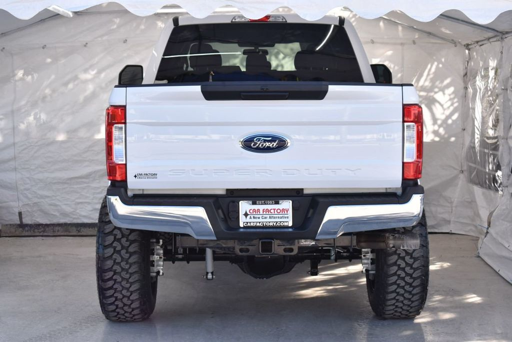 2018 Ford Super Duty F-250 SRW XLT 5''Rough Country Lift With 20'' Custom Rims & Tires Truck - 18432682 - 5