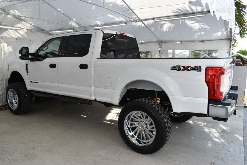2018 Ford Super Duty F-250 SRW XLT 5''Rough Country Lift With 20'' Custom Rims & Tires Truck - 18637797 - 3