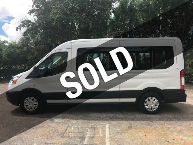 """2018 Ford Transit Passenger Wagon T-150 130"""" Med Roof XLT Sliding RH Dr"""