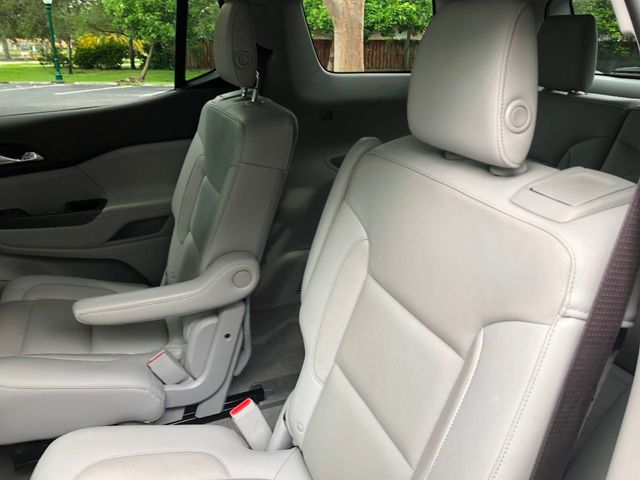 2018 GMC Acadia FWD 4dr SLT w/SLT-1 - Click to see full-size photo viewer