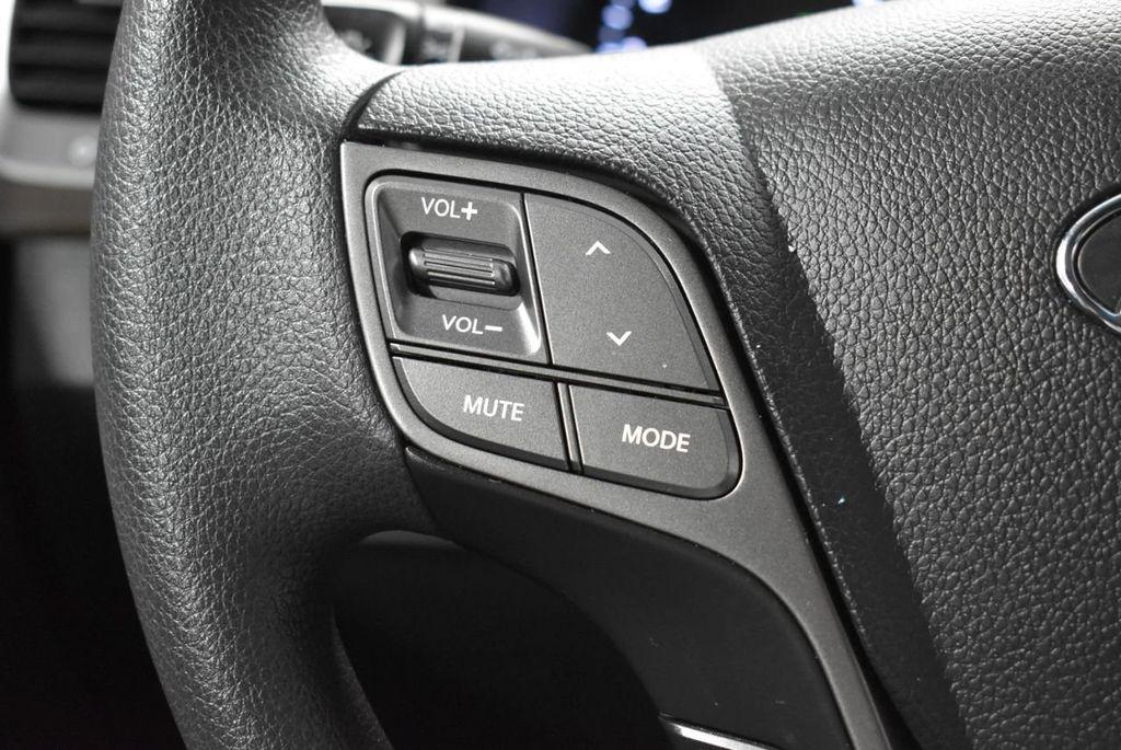 2018 Hyundai Santa Fe Sport 2.4L Automatic - 18415859 - 17