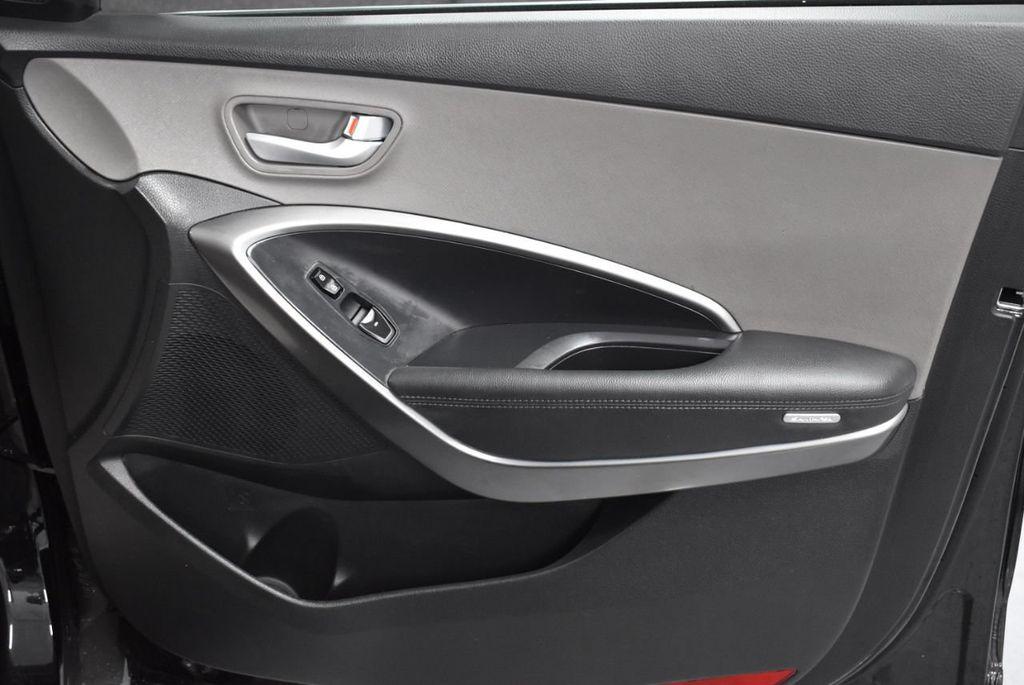 2018 Hyundai Santa Fe Sport 2.4L Automatic - 18415859 - 23