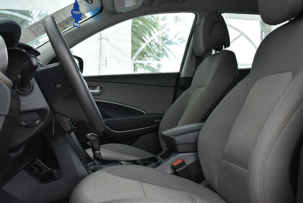 2018 Hyundai Santa Fe Sport 2.4L Automatic - 18689053 - 12