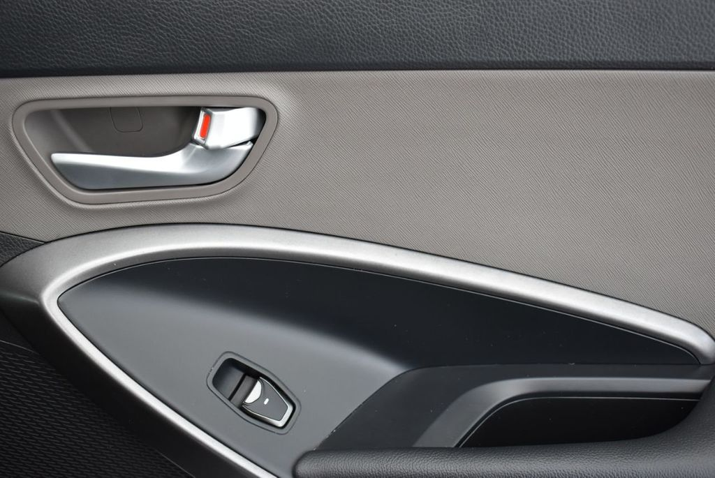 2018 Hyundai Santa Fe Sport 2.4L Automatic - 18689053 - 17