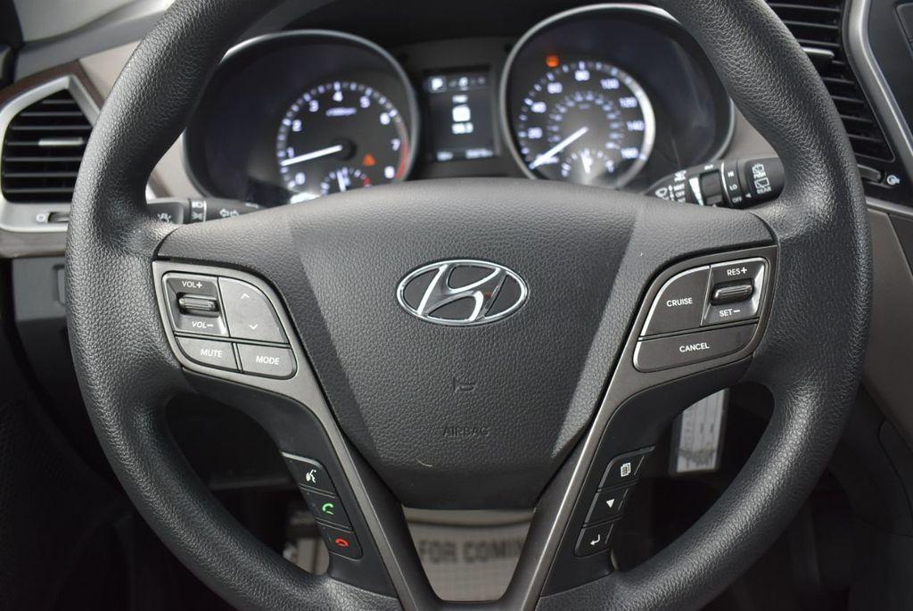 2018 Hyundai Santa Fe Sport 2.4L Automatic - 18689053 - 19