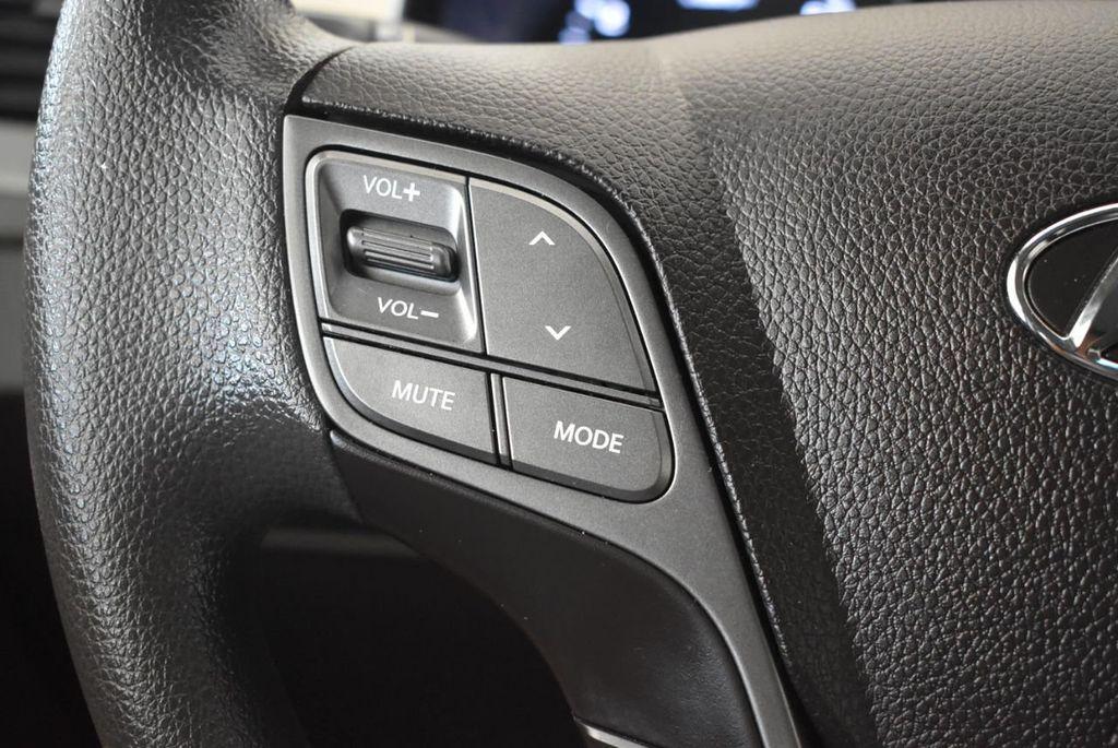 2018 Hyundai Santa Fe Sport 2.4L Automatic - 18122117 - 19
