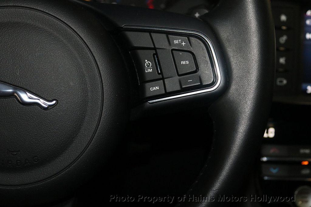 2018 Jaguar F-PACE 30t Premium AWD - 18707069 - 27