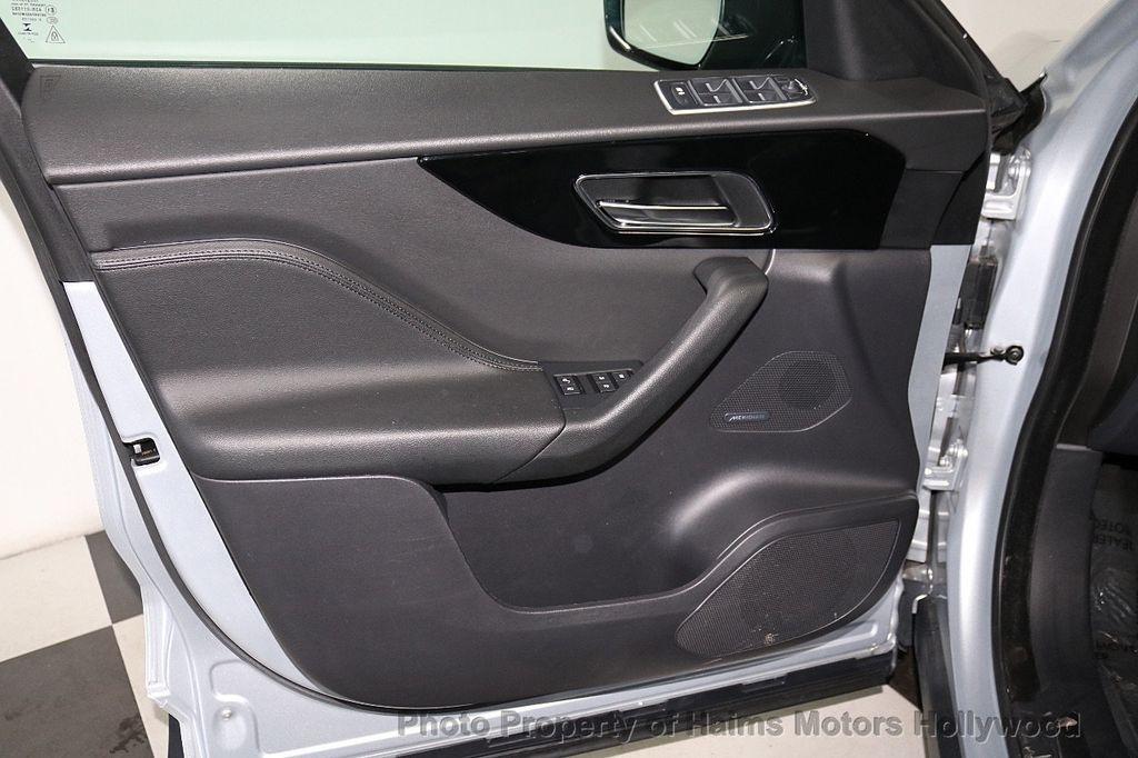 2018 Jaguar F-PACE 35t Premium AWD - 18492551 - 11