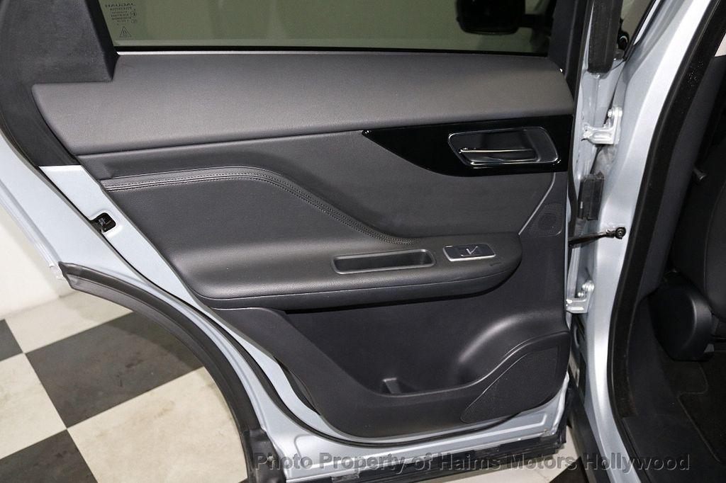 2018 Jaguar F-PACE 35t Premium AWD - 18492551 - 12