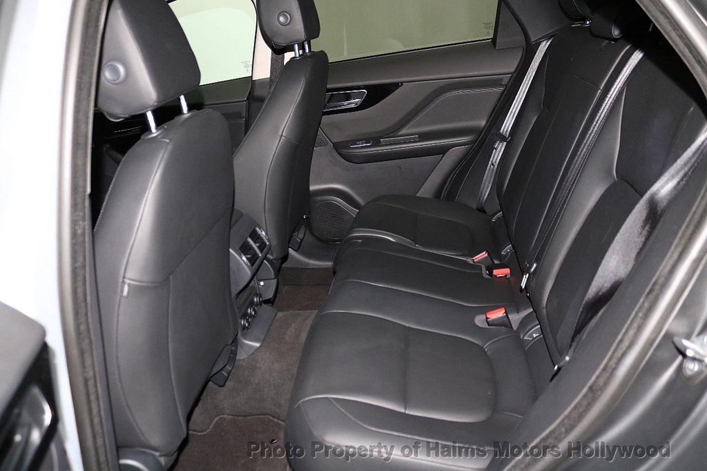 2018 Jaguar F-PACE 35t Premium AWD - 18492551 - 17