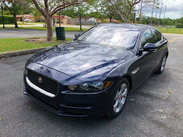 2018 Jaguar XE 25t RWD - Click to see full-size photo viewer