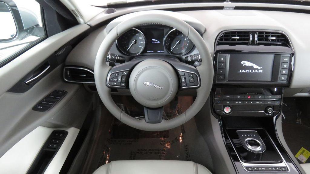2018 Jaguar XE COURTESY VEHICLE - 18789905 - 9
