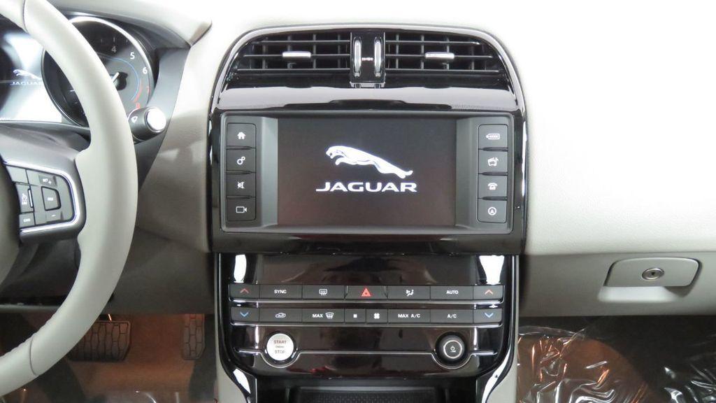 2018 Jaguar XE COURTESY VEHICLE - 18789905 - 14