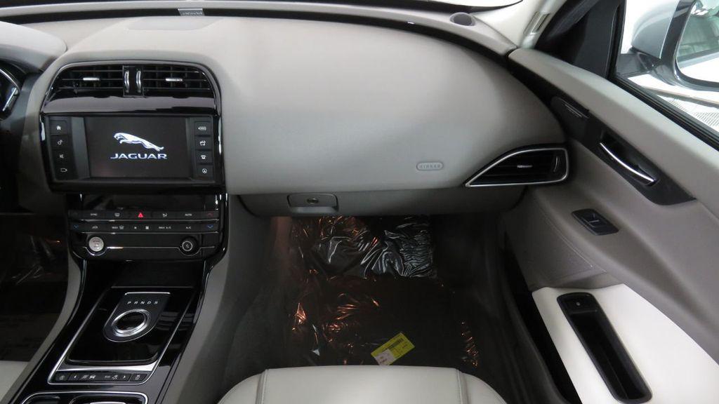 2018 Jaguar XE COURTESY VEHICLE - 18789905 - 18