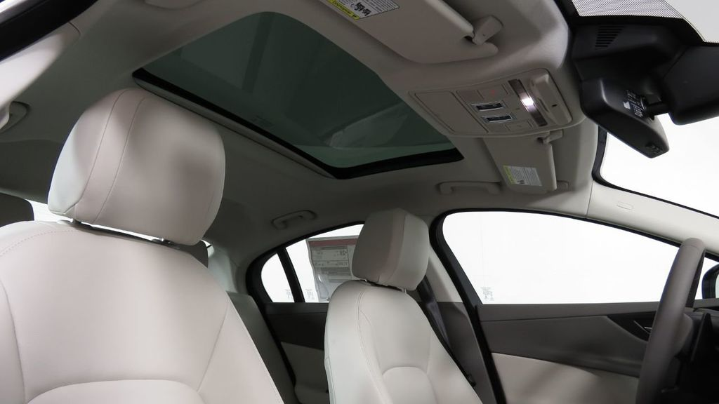 2018 Jaguar XE COURTESY VEHICLE - 18789905 - 20