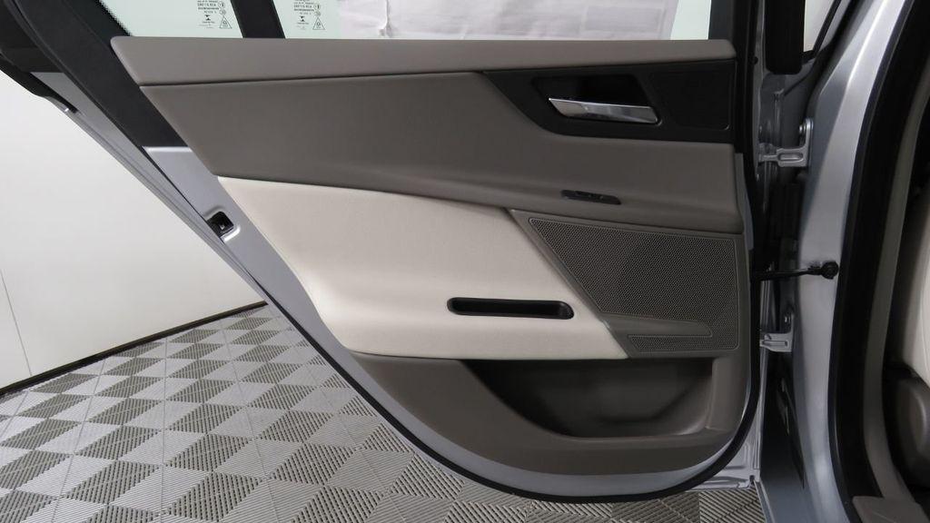 2018 Jaguar XE COURTESY VEHICLE - 18789905 - 28