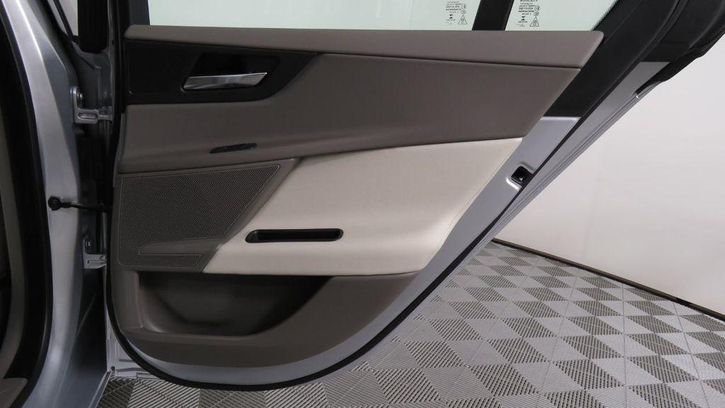 2018 Jaguar XE COURTESY VEHICLE - 18789905 - 29