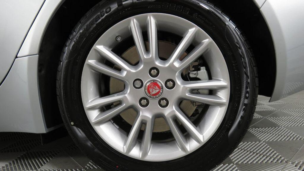 2018 Jaguar XE COURTESY VEHICLE - 18789905 - 33