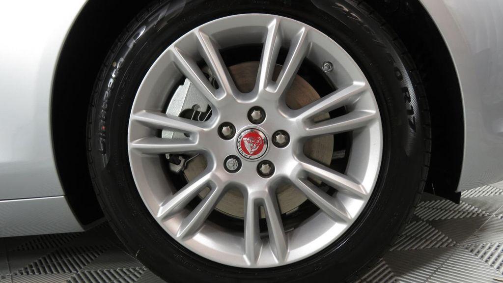 2018 Jaguar XE COURTESY VEHICLE - 18789905 - 34