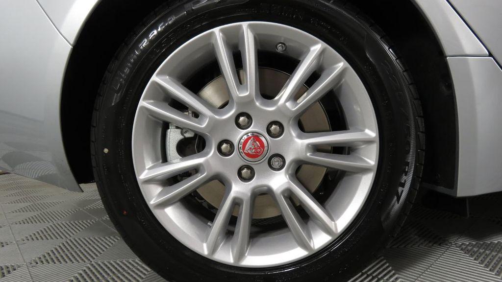 2018 Jaguar XE COURTESY VEHICLE - 18789905 - 35