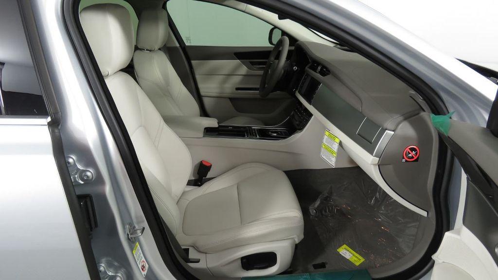 2018 Jaguar XF COURTESY VEHICLE - 18789903 - 22