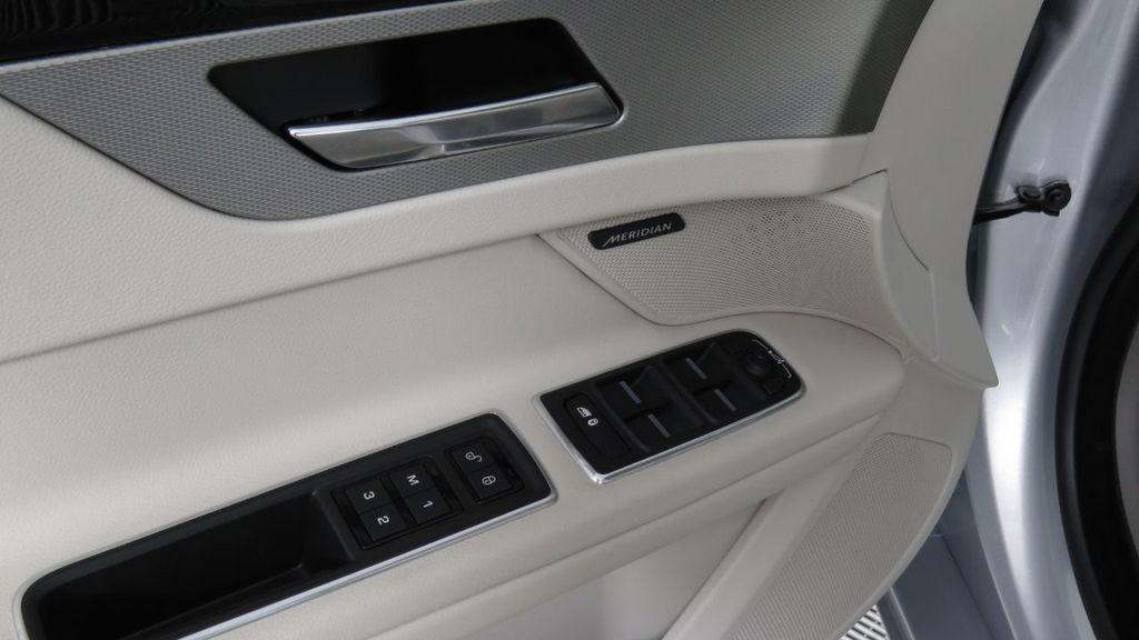2018 Jaguar XF COURTESY VEHICLE - 18789903 - 25