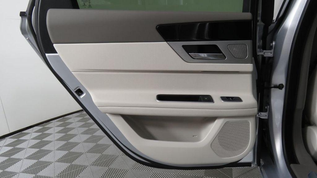 2018 Jaguar XF COURTESY VEHICLE - 18789903 - 28