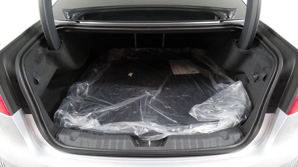 2018 Jaguar XF COURTESY VEHICLE - 18789903 - 30
