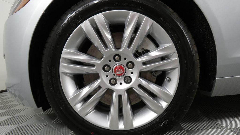2018 Jaguar XF COURTESY VEHICLE - 18789903 - 32