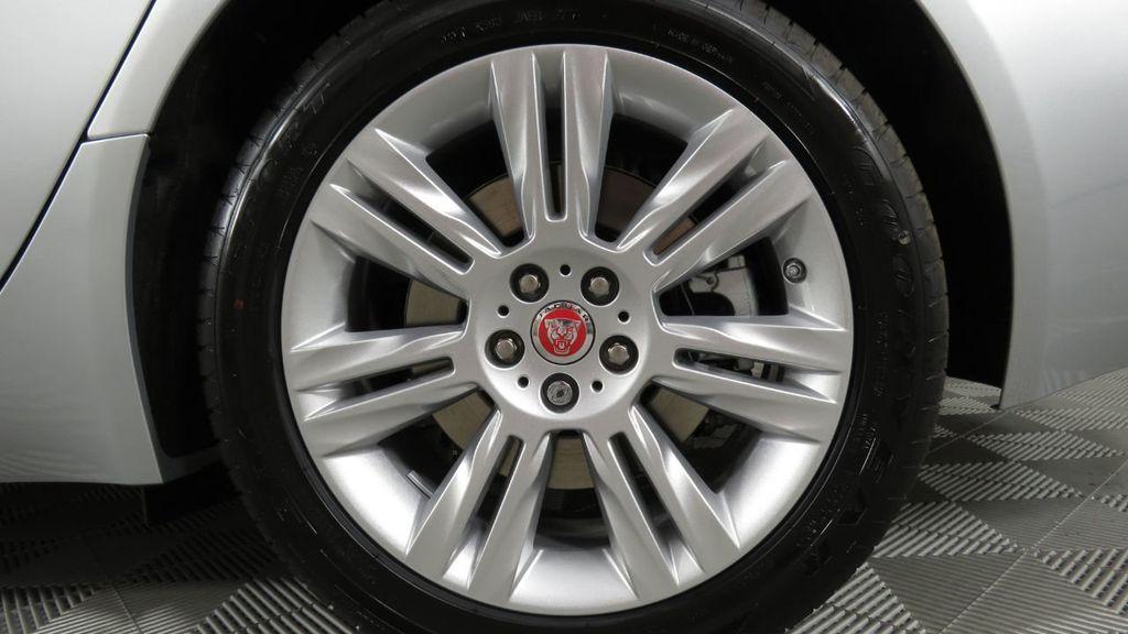 2018 Jaguar XF COURTESY VEHICLE - 18789903 - 33