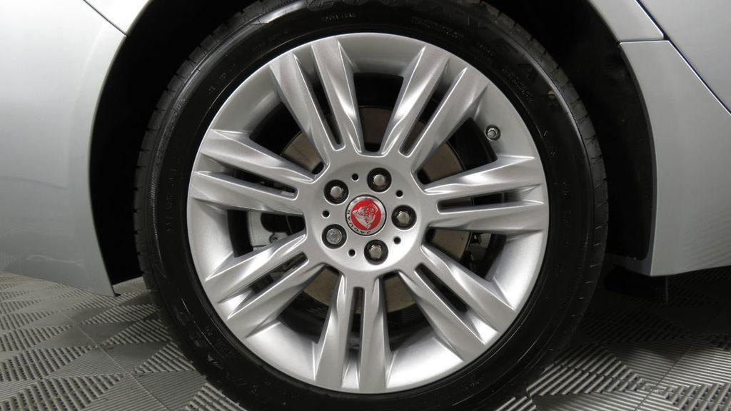 2018 Jaguar XF COURTESY VEHICLE - 18789903 - 35