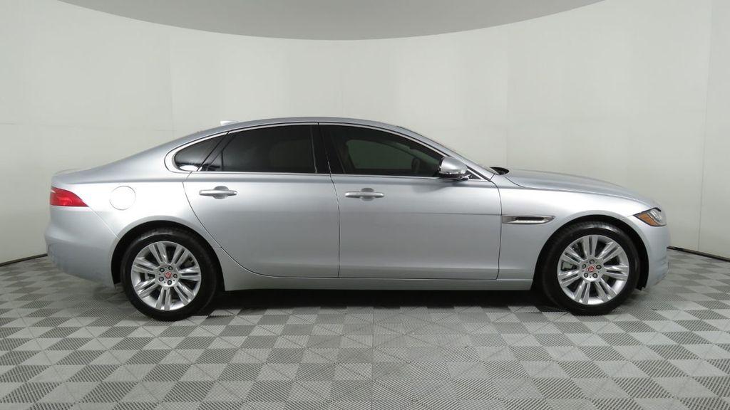2018 Jaguar XF COURTESY VEHICLE - 18789903 - 3