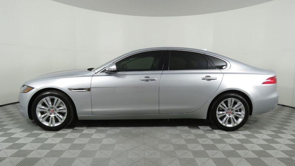 2018 Jaguar XF COURTESY VEHICLE - 18789903 - 7